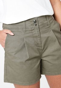 Next - BERRY - Shorts - green - 2