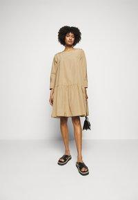 WEEKEND MaxMara - OMBRINA - Day dress - kamel - 1