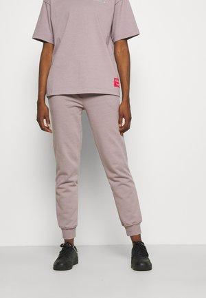 BRANDED WOMENS ESSENTIAL  - Teplákové kalhoty - light purple