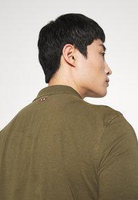 Napapijri - ELLI - Polo shirt - green way - 5