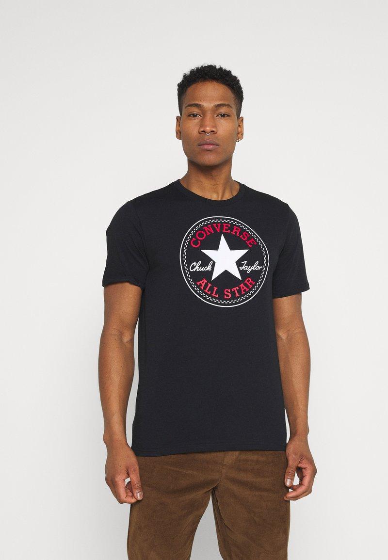 Converse - CHUCK TAYLOR ALL STAR PATCH GRAPHIC TEE - Print T-shirt - black