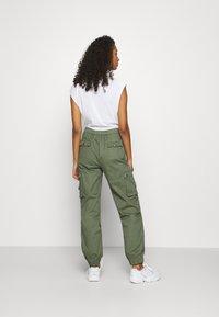 Tiger Mist - ASHER PANT - Cargo trousers - khaki - 2