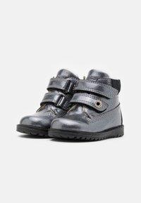 Primigi - WARM LINING - Classic ankle boots - canna fucile - 1