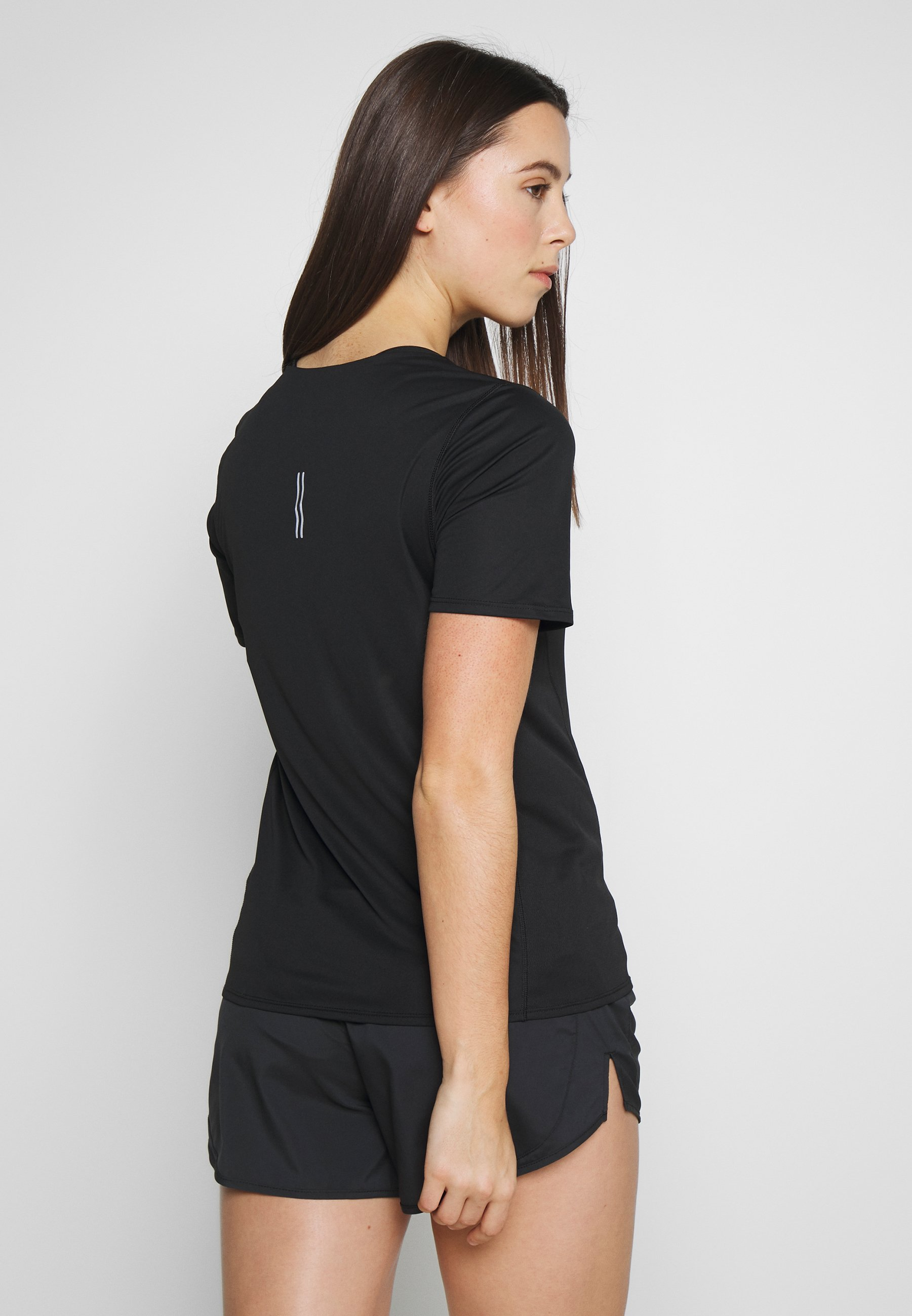 Nike Performance CITY SLEEK - Print T-shirt - black/reflective silver m1EVD