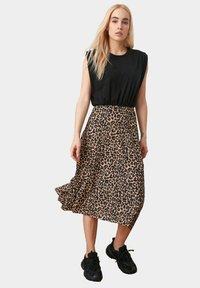 Trendyol - A-line skirt - brown - 3