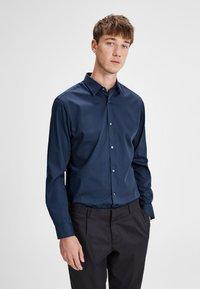 Jack & Jones PREMIUM - Shirt - navy blazer - 0