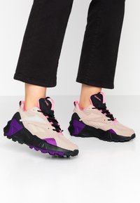 Reebok Classic - AZTREK DOUBLE MIX RUGGED TRAIL - Sneakersy niskie - buff/grey - 0