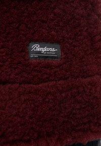 Bergans - OSLO LOOSE FIT - Zimní kabát - zinfandel red melange - 7