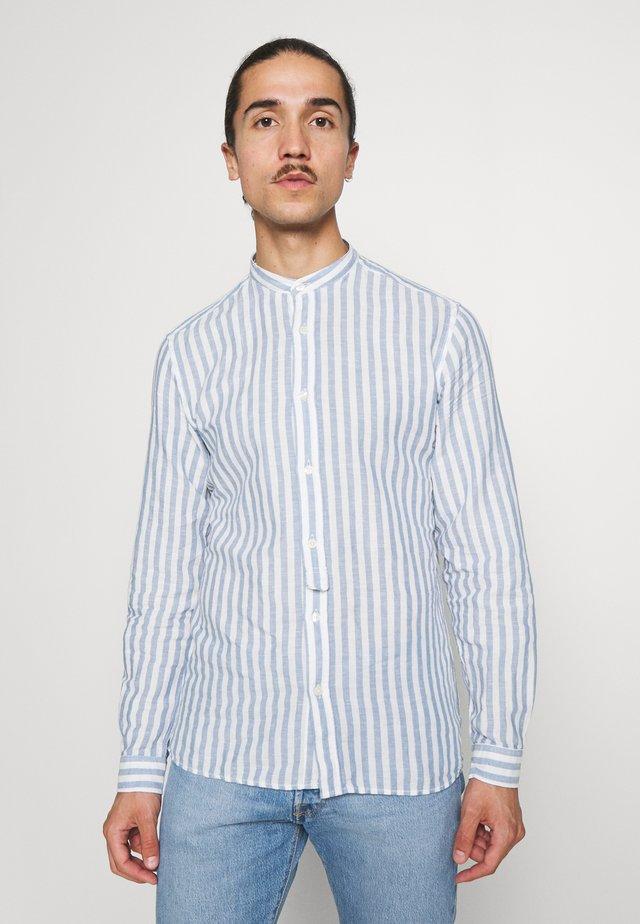 MAO STRIPE - Overhemd - medium blue