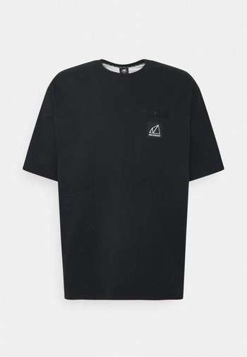 ALL TERRAIN POCKET TEE - Basic T-shirt - black