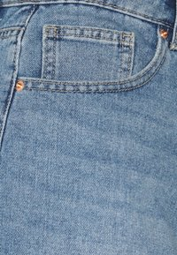 ONLY Petite - ONLPHINE LIFE - Shorts di jeans - light blue denim - 2