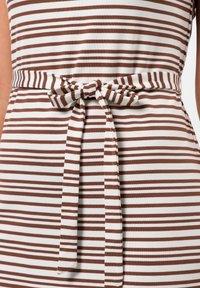 zero - Day dress - almond - 3