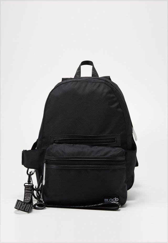 BACKPACK WITH HIPBAG - Plecak - black
