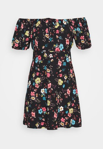 JDYGITTE SVAN OFF SHOULDER DRESS - Sukienka z dżerseju - black/multicolour