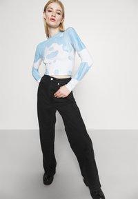Weekday - SENA TIE DYE LONG SLEEVE - Long sleeved top - blue with white - 3