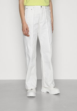 SOUL RAW - Jeansy Relaxed Fit - white