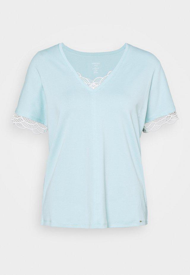 Jednoduché triko - celeste