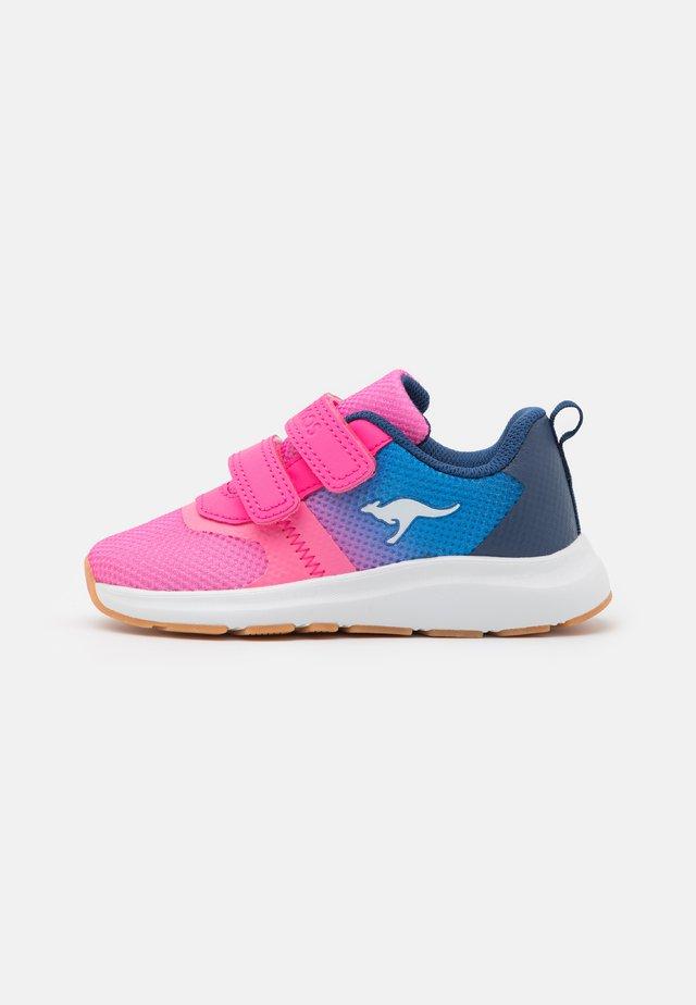 KB-AGIL V - Sneakers - daisy pink/navy