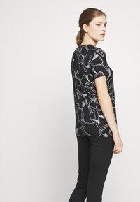 Lauren Ralph Lauren - T-shirt imprimé - black - 4