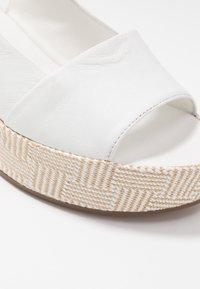 Högl - Platform sandals - bamboo weiß - 2