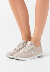 Skechers Sport - SKECH AIR - Trainers - taupe/white - 0
