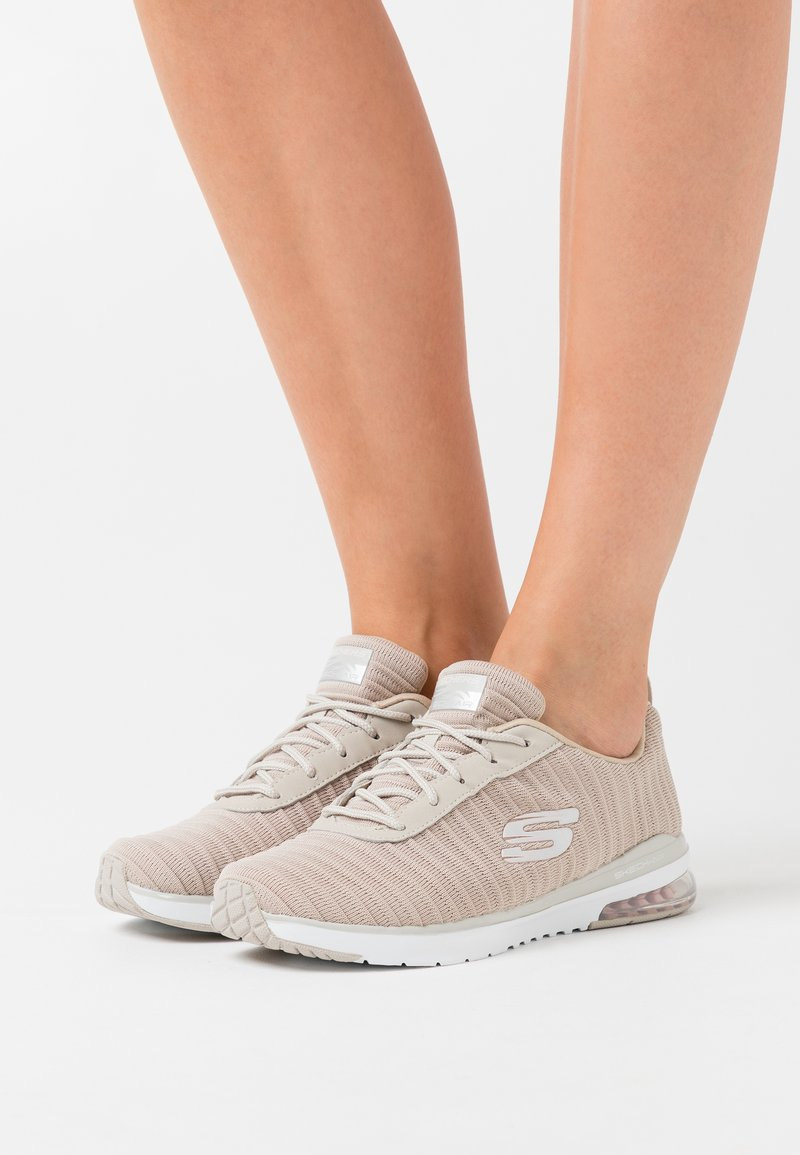 Skechers Sport - SKECH AIR - Trainers - taupe/white