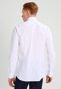 Michael Kors - PARMA SLIM FIT - Formal shirt - white - 2