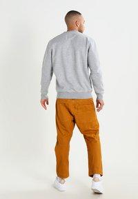 Alpha Industries - BASIC  - Sweatshirt - grey heather - 2
