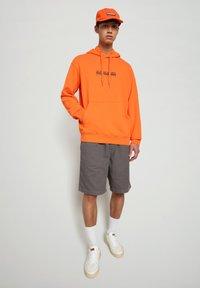 Napapijri - Shorts - grey gargoyle - 1