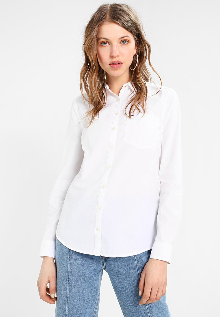 Tommy Jeans - ORIGINAL LIGHT OXFORD  - Button-down blouse - classic white