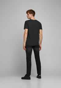 Jack & Jones PREMIUM - T-shirt - bas - black - 2