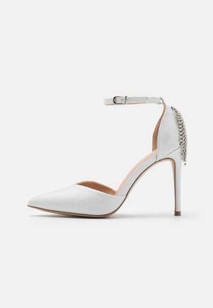 CLEMETIS - Klassiske pumps - white shimmer