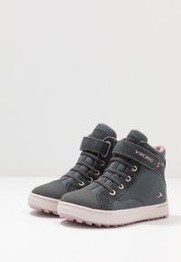 Viking - LEAH MID GTX - Hiking shoes - dark grey/dusty pink - 3