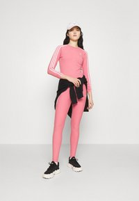 adidas Originals - LONG SLEEVE TEE - T-shirt à manches longues - hazy rose/white - 1