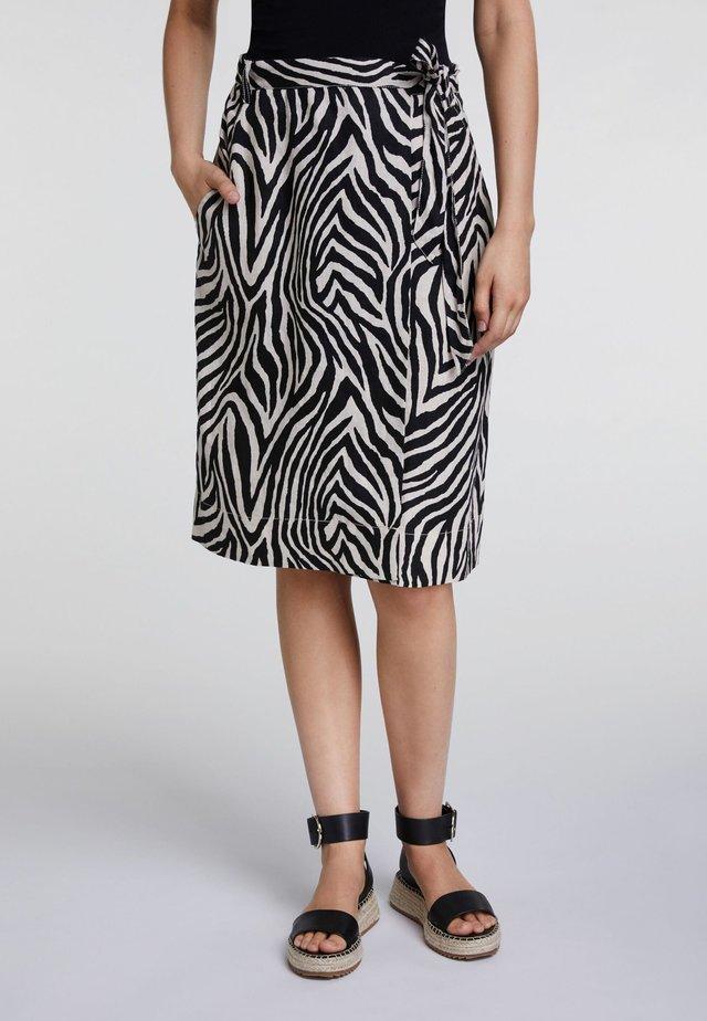 IM ZEBRADRUCK - A-line skirt - black/offwhite