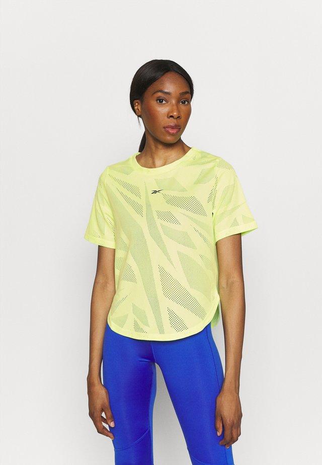 TEE - Basic T-shirt - energy glow