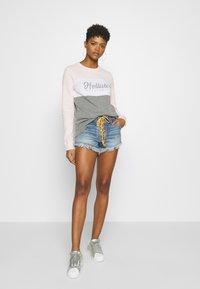 Free People - SLOUCHY CUTOFF - Denim shorts - indigo blue - 1