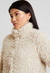 Vero Moda - VMJAYLAMEG JACKET - Winter jacket - oatmeal - 3