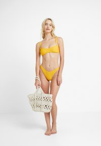River Island - WRAP CAMI - Bikini top - orange
