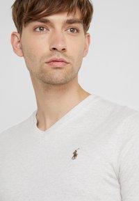 Polo Ralph Lauren - SHORT SLEEVE - T-shirt - bas - american heather - 3