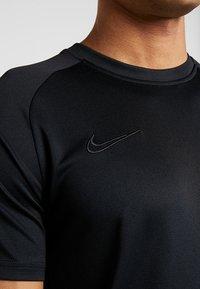 Nike Performance - DRY ACADEMY - Print T-shirt - black - 4
