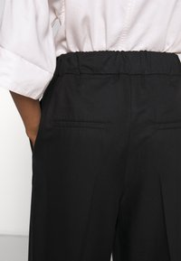 Filippa K - ARIA TROUSER - Pantaloni - black - 4