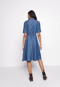 JDY - JDYROGER - Sukienka jeansowa - medium blue denim - 2