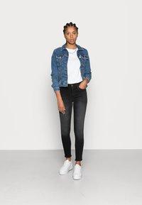 ONLY - ONLBLUSH RAW - Jeans Skinny Fit - black denim - 1