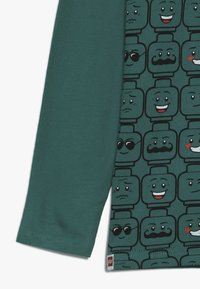 LEGO Wear - Langærmede T-shirts - dark green - 2