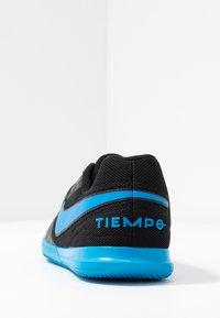 Nike Performance - TIEMPO LEGEND 8 CLUB IC - Indoor football boots - black/blue hero - 3