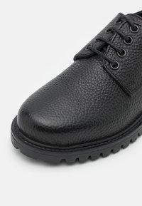DECHASE - ZENA UNISEX - Casual lace-ups - black - 5