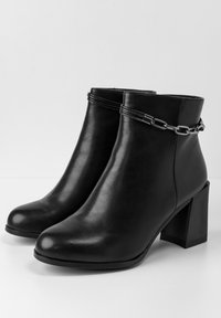 Betsy - High heeled ankle boots - schwarz - 3