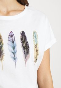 Even&Odd - T-shirts med print - white - 5