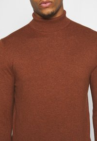 Burton Menswear London - FINE GAUGE ROLL  - Pullover - ginger - 5